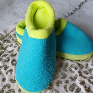"Avon 7/8 ""UNISEX Memory Foam Slippers"